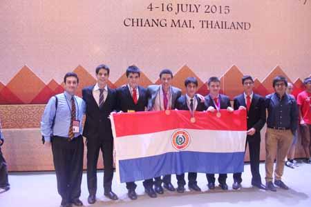 Equipo completo (izquierda a derecha): ArielSchvartzman (Tutor), Antonio Riera, Marcos Zárate, Elvis Agüero, Daniel Filizzola, Gerardo Fisch, Gerardo Piris, Marcos Martínez (Líder)